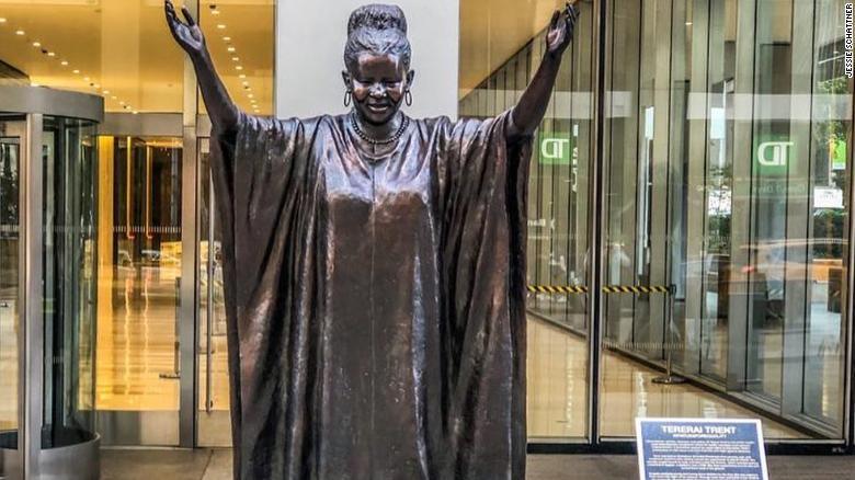 tererai trent statue