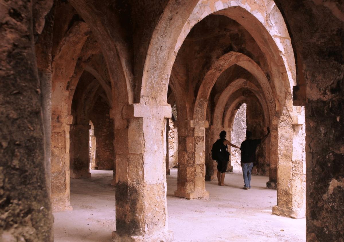 ancient african ruins kilwa kisiwani